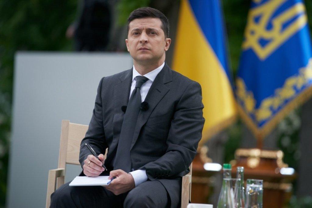 Зеленский признал, что Россия стреляет и убивает украинцев на Донбассе