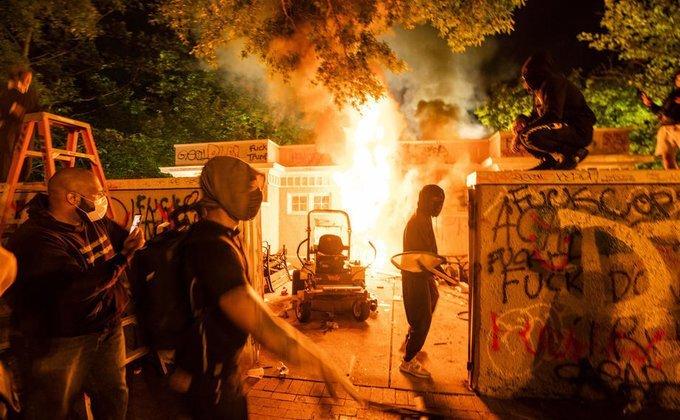 Убийство афроамериканца в США: мощные протесты добрались до Вашингтона