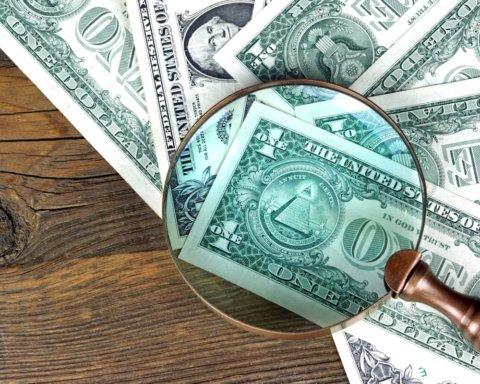 Доллар начал неделю с падения: эксперт дал прогноз, что будет с курсом в ближайшие дни