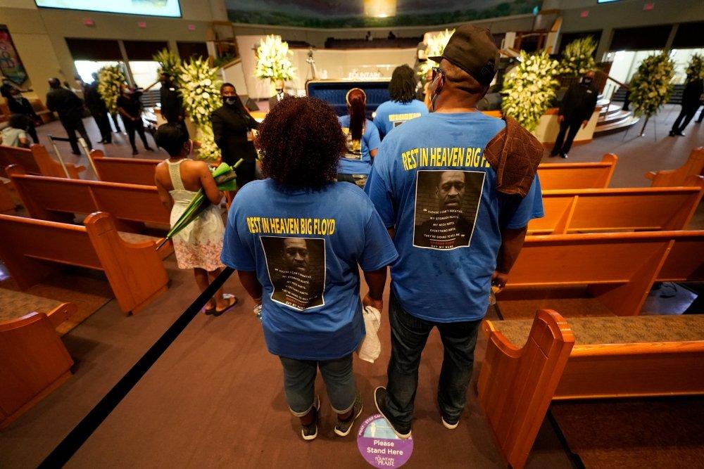 Карета і золота труна: в США проходить похорон Джорджа Флойда