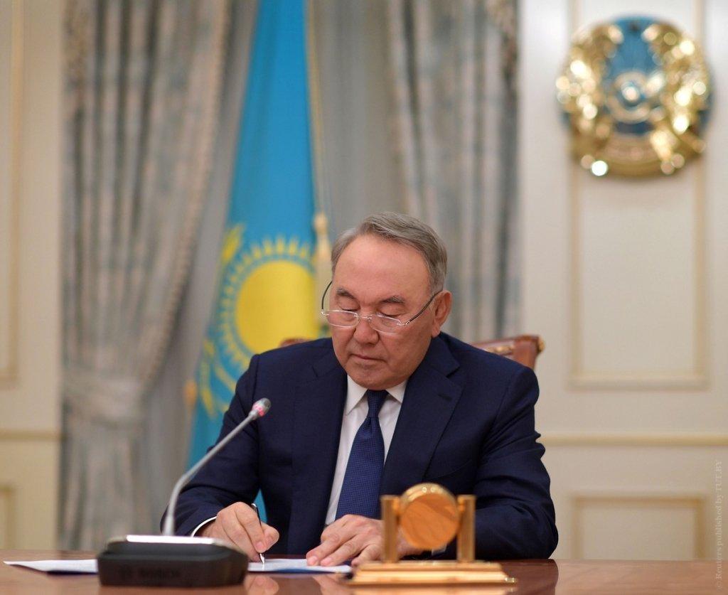 Колишній президент Казахстану Нурсултан Назарбаєв захворів на COVID-19