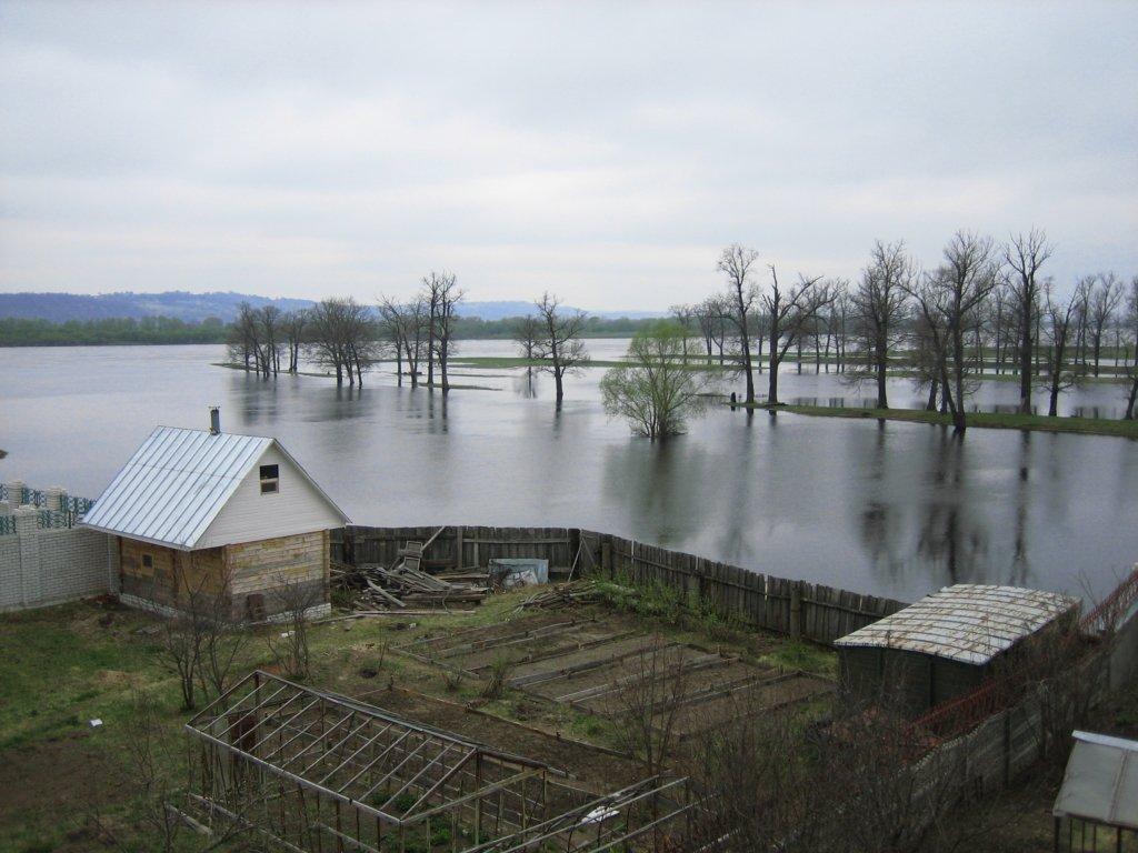 В Тернопольской области не выдержала дамба: людей начали отселять
