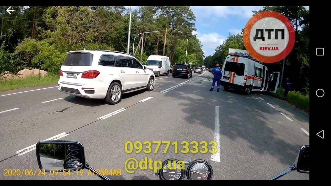 Під Києвом сталася смертельна ДТП з пасажирським автобусом: деталі НП