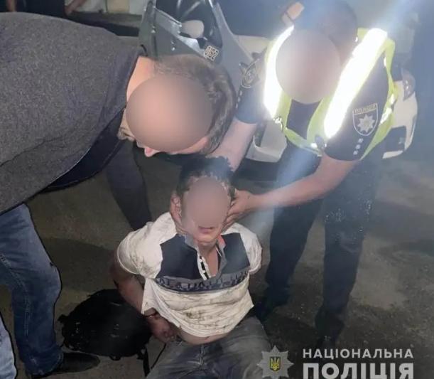 Буйный неадекват зарезал врача в больнице под Киевом
