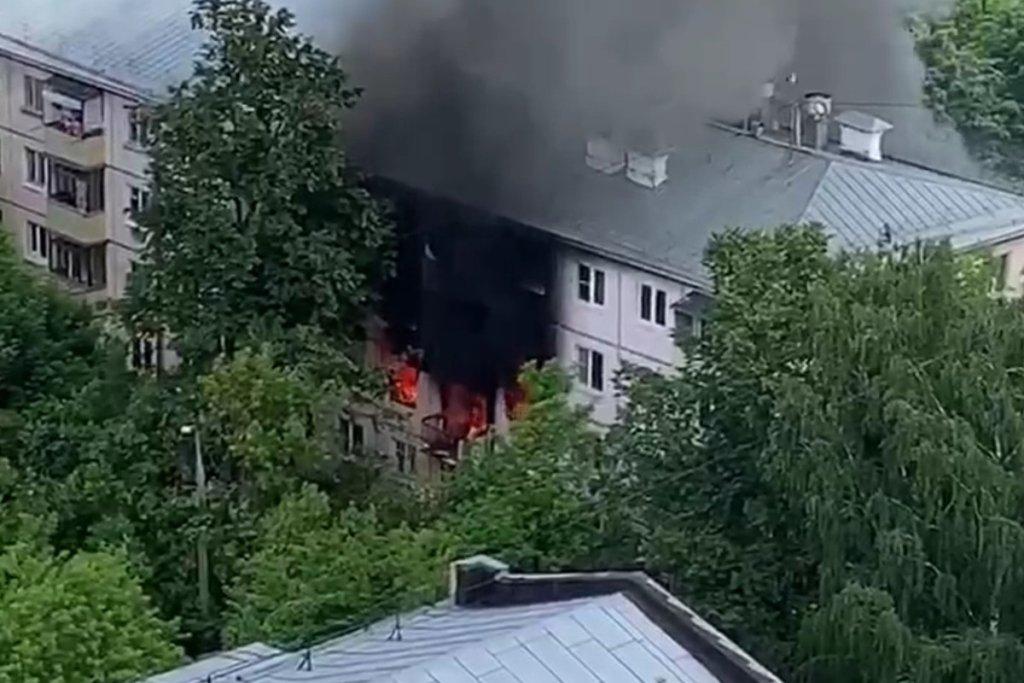 В Москве произошел взрыв газа в жилом доме: первые кадры трагедии