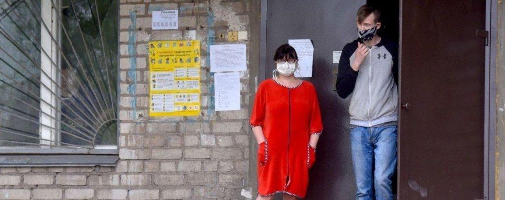 В Україні захворіло коронавірусом ще понад 800 осіб