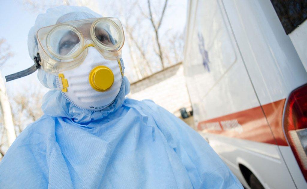 В Україні за добу понад 900 випадків COVID-19: Новий антирекорд