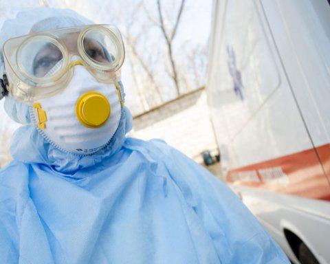 В Украине за сутки более 900 случаев COVID-19: Новый антирекорд