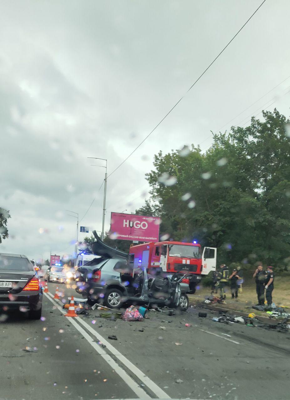 Вбивця та викрадач: що відомо про водія, який вбив цілу родину в ДТП під Києвом