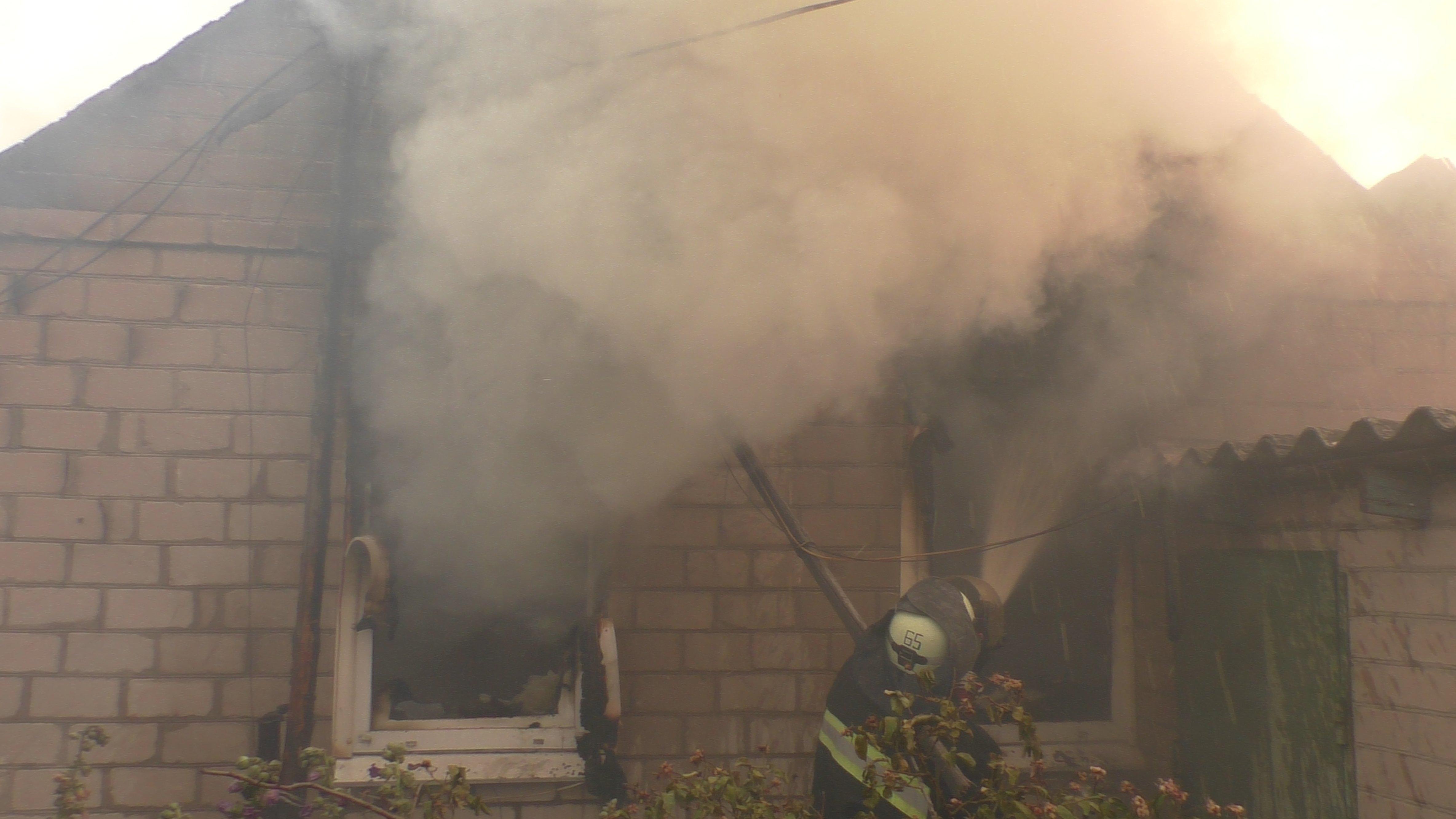 Смертельные пожары в Луганской области: что происходит в эпицентре ЧП