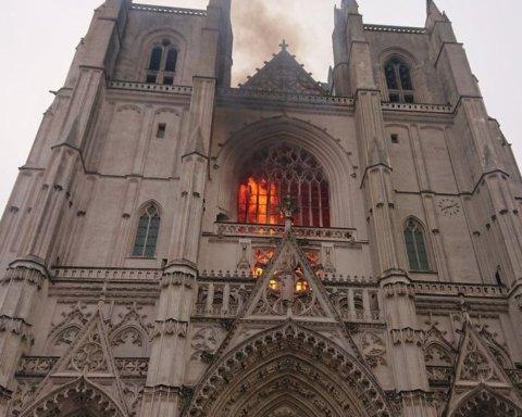 В соборе Святых Петра и Павла потушили пожар
