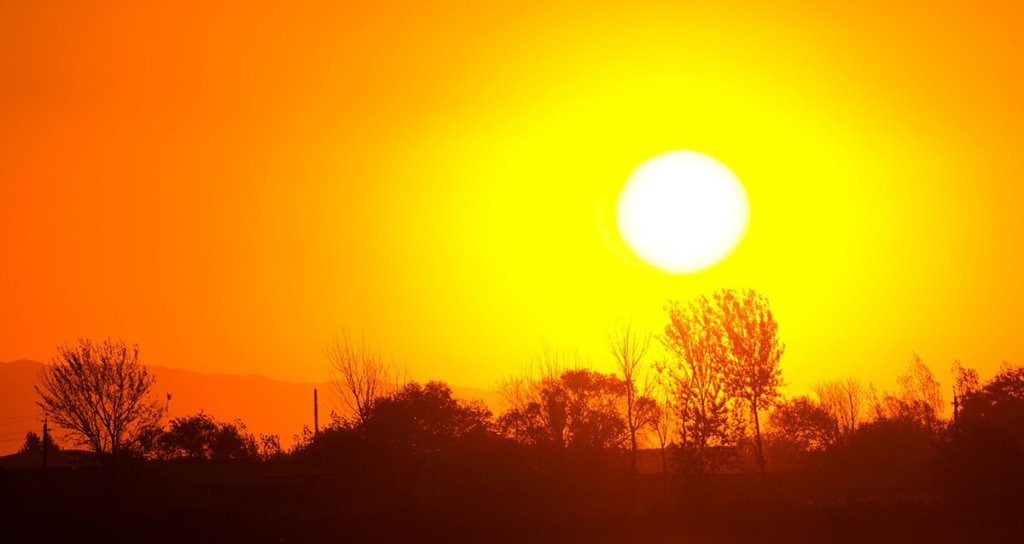 """В Україну йде """"пекло"""": синоптики попередили про спеку в 42 градуси"""
