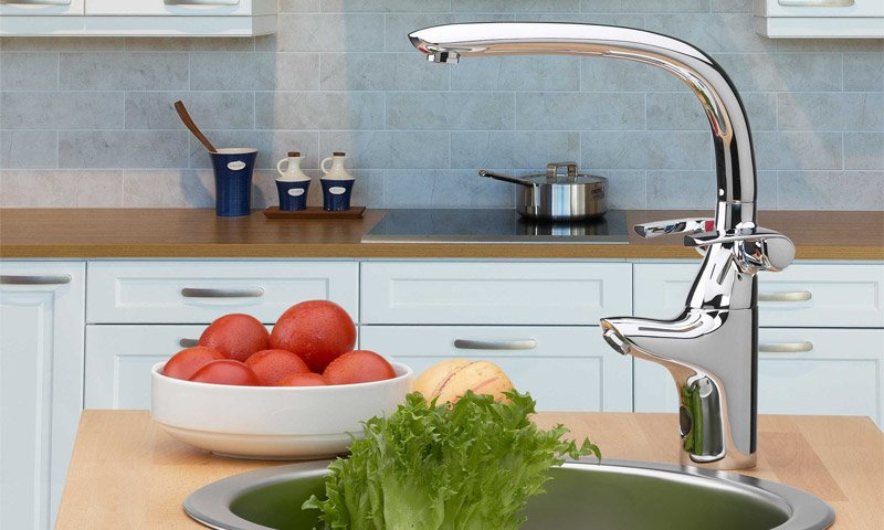 Змішувачі для кухні: популярні модифікації і додаткові функції