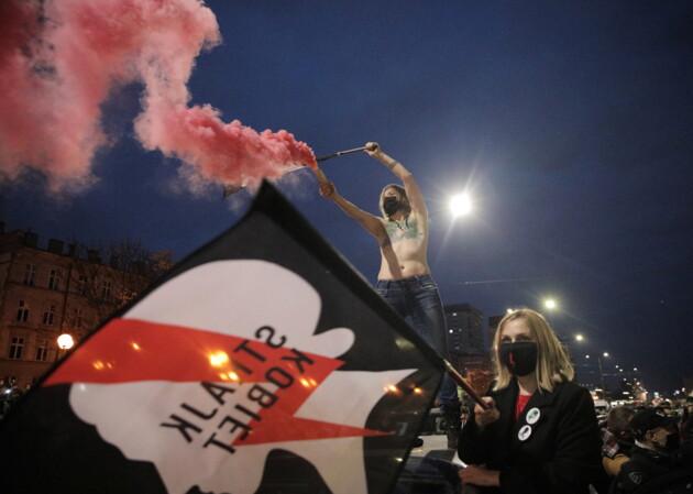 У Польщі набирають обертів протести проти заборони абортів: що там відбувається
