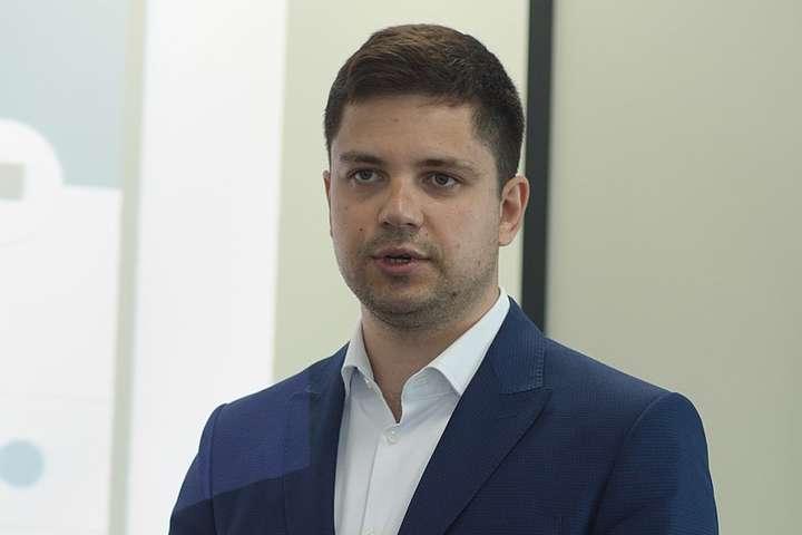 Народный депутат от Слуги народа предлагает закупить вакцину от COVID-19 у РФ