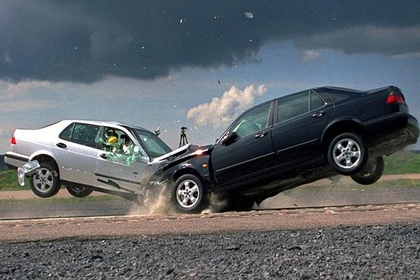 ДТП с жертвами: под Киевом столкнулись четыре автомобиля — фото