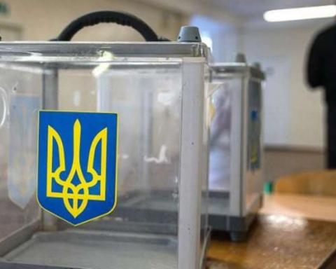 Через дві години виборів відкрили шість кримінальних справ