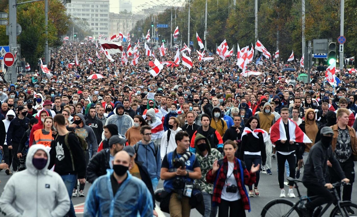 Партизанский Марш в Беларуси: первые задержания и колонны спецтехники — фото