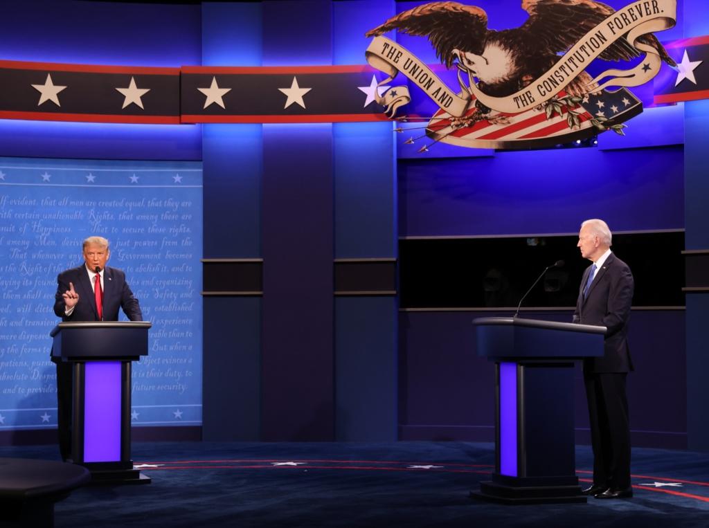 Трамп обвинил Байдена в получении денег от Украины — как прошли финальные дебаты в США