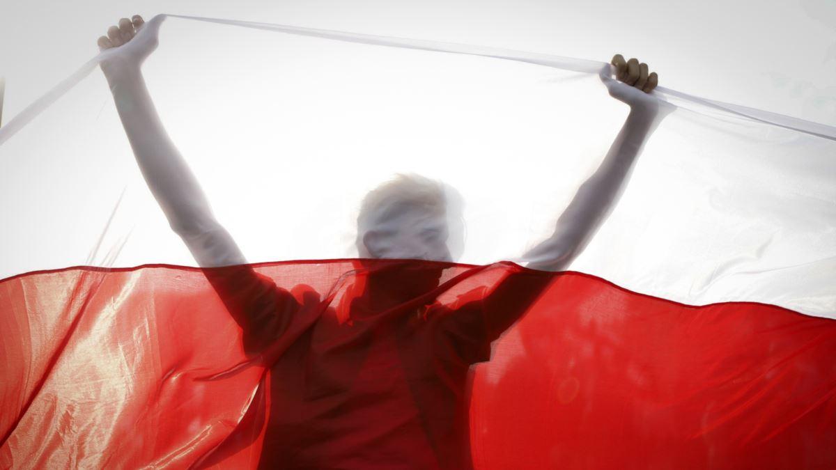 Протести в Білорусі: ОМОН вступив в бійку з протестуючими – фото і відео