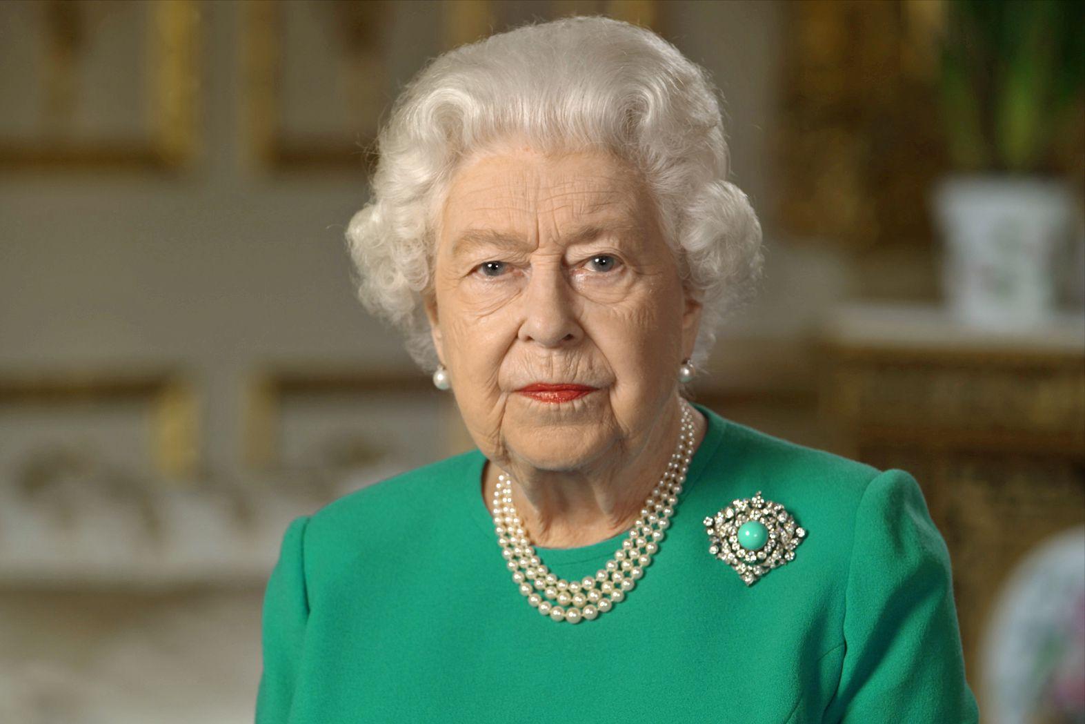 Зупинив теракт в Лондоні: Єлизавета II помилувала вбивцю