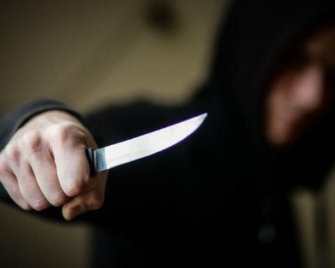 В Херсоне хулиганы в алкогольном опьянении порезали ребенка из-за замечания — фото