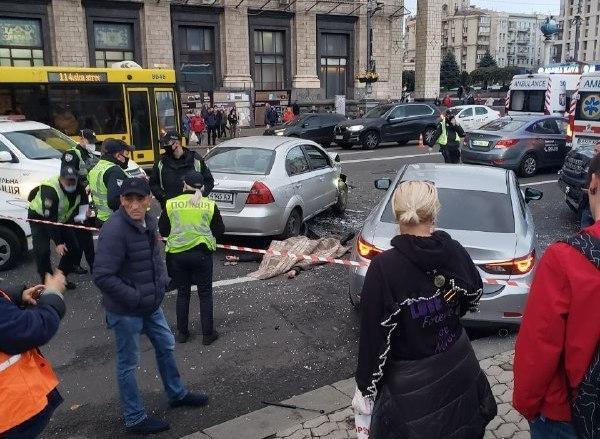 Смертельное ДТП на Майдане: момент аварии попал на видео