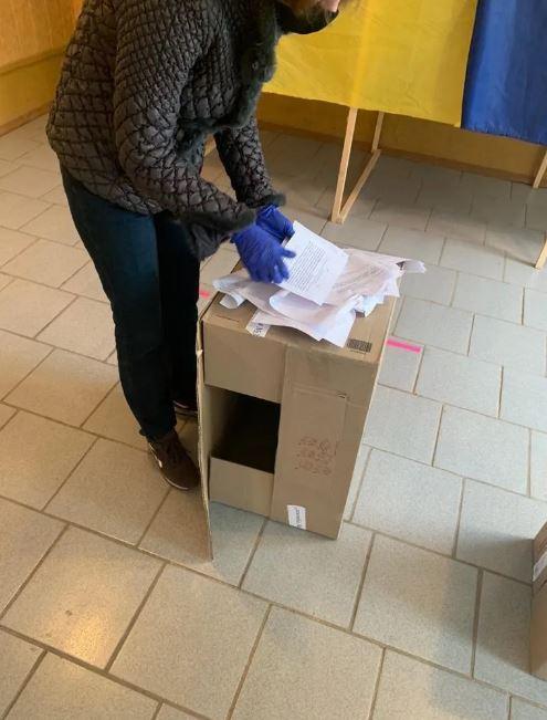 На Харьковщине пытались провести незаконный референдум: подробности и фото