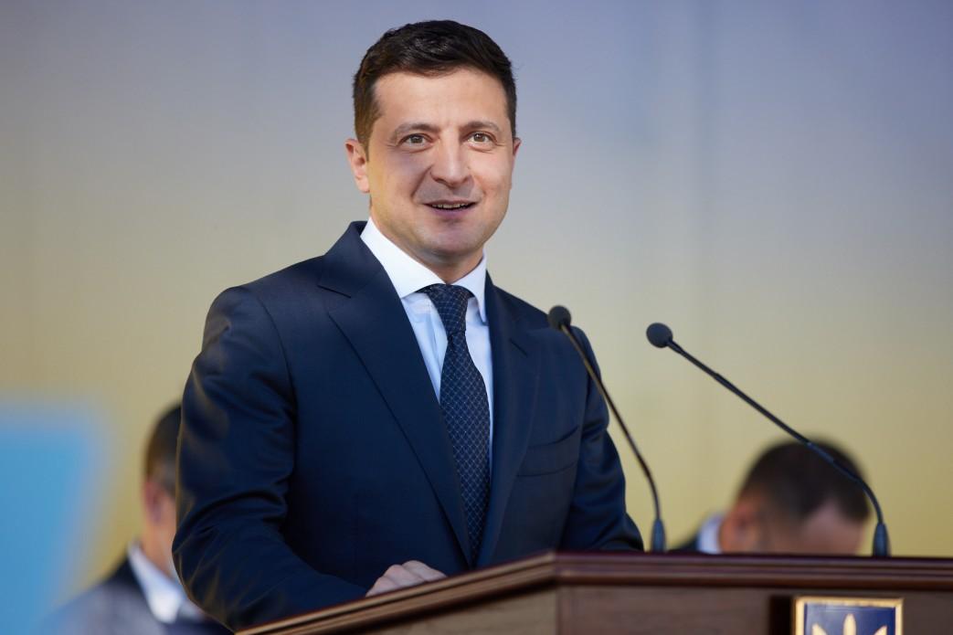 Зеленський озвучив плани на жорсткий карантин в Україні