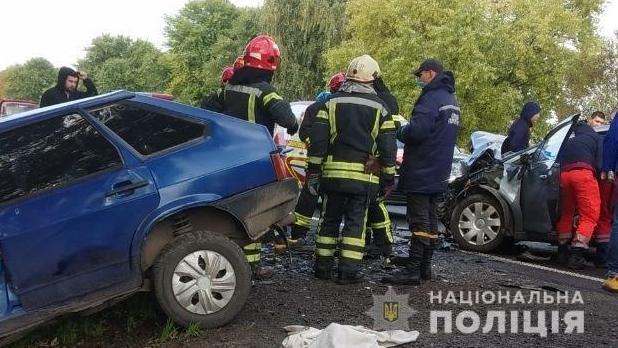 У Львівській області сталася ДТП з чотирма авто, багато загиблих