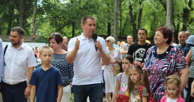 Кияни звернулись до Авакова, щодо підкупу виборців кандидатом від «Удару» Михайлом Терентьєвим
