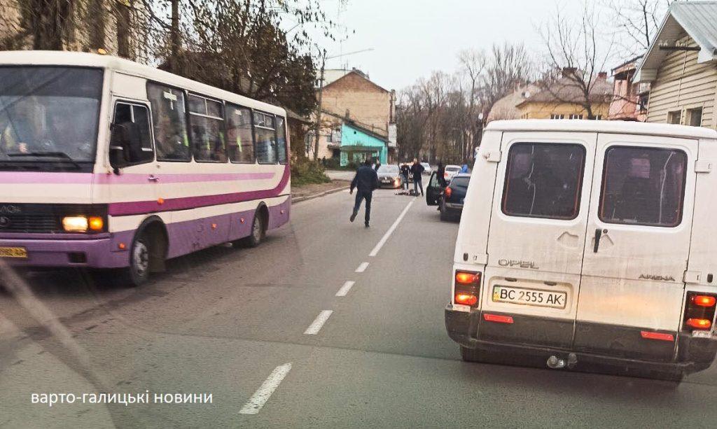 Маршрутчик насмерть сбил ребенка на пешеходном переходе в Дрогобыче
