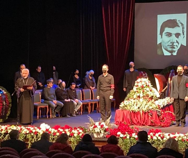У Москві прощаються з Арменом Джигарханяном