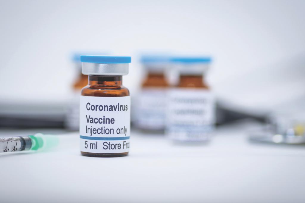 Степанов анонсировал новый контракт на вакцину против COVID-19, которых хватит до конца года