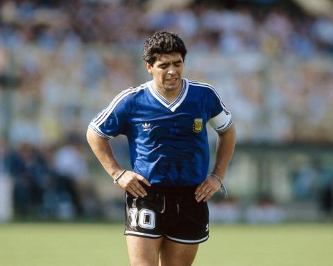 Врача Марадоны обвиняют в убийстве легендарного футболиста