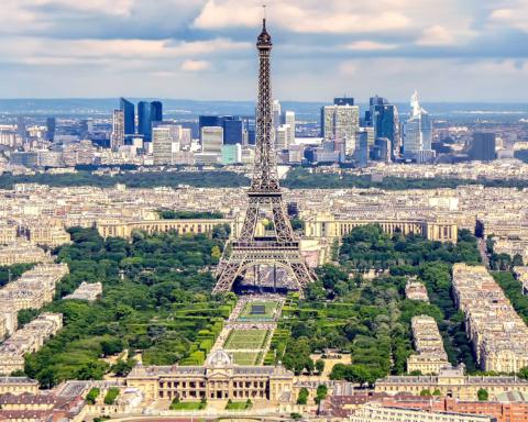 В Европе введут новые ограничения для туристов из-за COVID-19