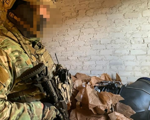 Украинский чиновник попался на продаже запчастей для военной техники в РФ