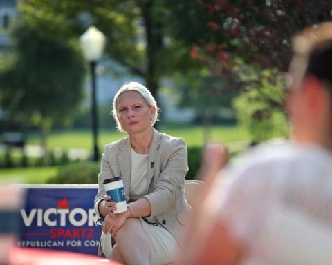 Вибори в США: уродженка України пройшла до палати Конгресу від штату Індіана