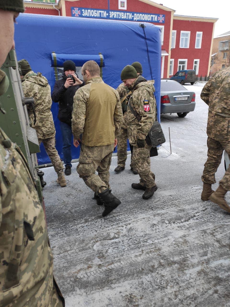 """Бойовики """"ЛНР"""" повернули Україні захопленого в полон бійця ЗСУ"""