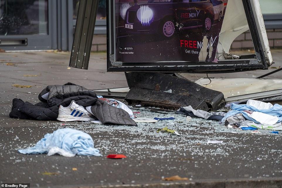 В Лондоне авто вылетело на тротуар и сбило пятерых человек