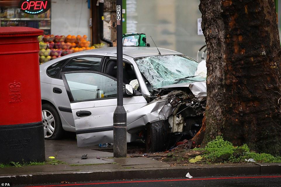 У Лондоні авто вилетіло на тротуар та збило п'ятьох людей