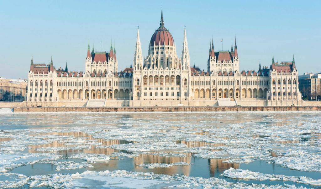 В Венгрии заявили, что готовы улучшить отношения с Украиной
