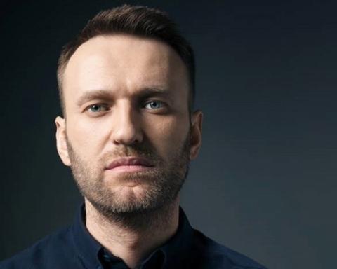 Навального хочуть посадити на 3,5 роки: що зараз відбувається в залі суду