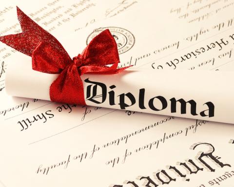 Выпускники в Украине больше не будут получать красные дипломы об образовании