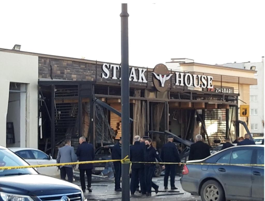 У Сербії вибухнуло кафе з людьми, постраждали понад 40 чоловік – відео