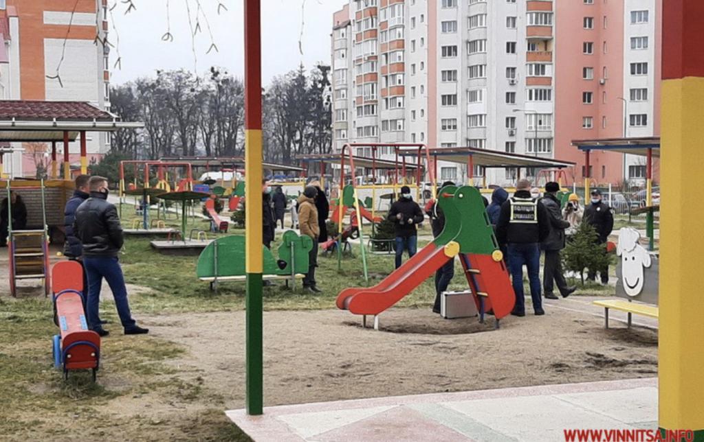 На площадке детского сада в Виннице прогремел взрыв, пострадал ребенок — фото