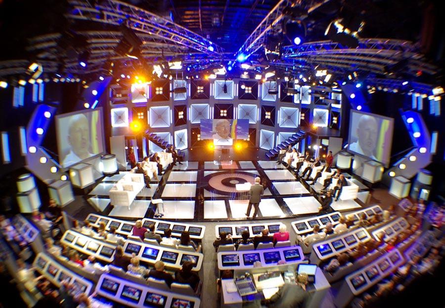 Телеканалы могут лишить лицензии, за выступление политиков на русском языке