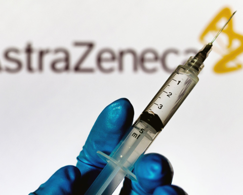 Украина может отказаться использовать вакцину AstraZeneca для пожилых людей