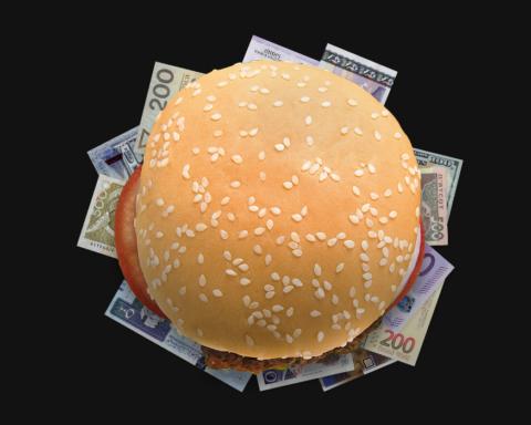 Индекс Биг-Мака: курс доллара в Украине должен быть на уровне 11 гривен