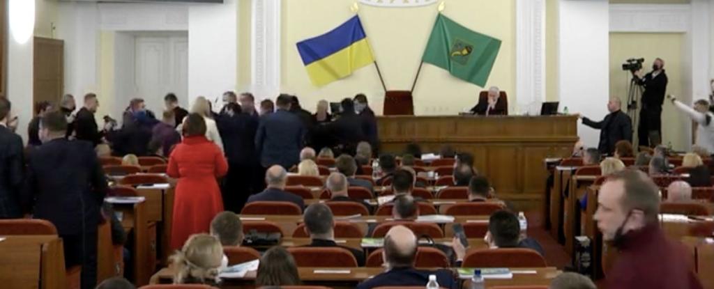 В Харькове депутаты подрались из-за Шария: эпичное видео